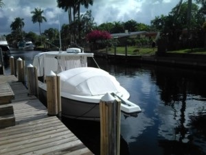 Angler 2900 center console boat bow dodger