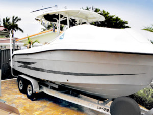 Hydra- Sports 2500 center console fishing boat bow dodger marine canopy