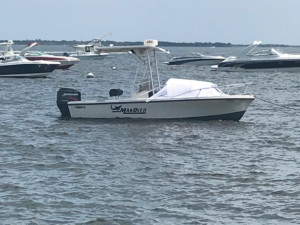 Mako 19' cc center console boat with bow dodger