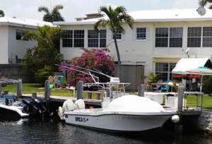 Dusky 278 center console boat bow shade