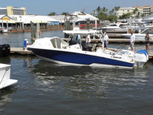 Wellcraft 302 Fisherman center console boat shade bow dodger