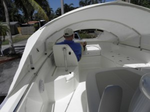 2018 Boston Whaler 270 Dauntless bow dodger front canvas shelter