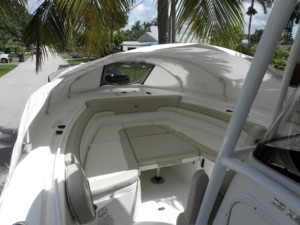 NauticStar 28 XS center console boat